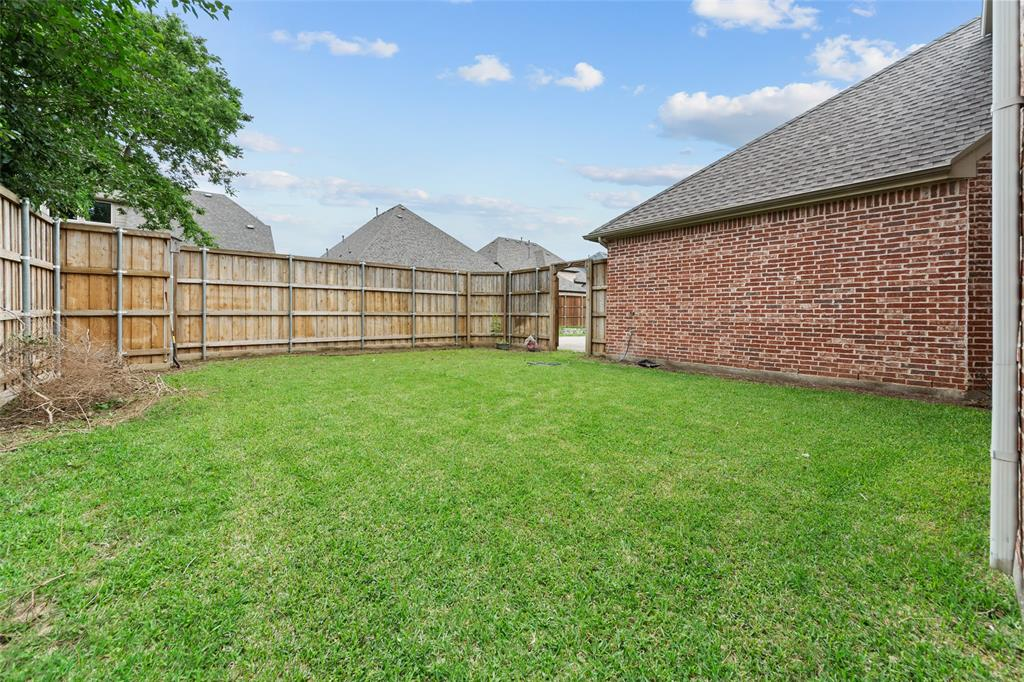 2023 Burnside  Drive, Allen, Texas 75013 - acquisto real estate best photos for luxury listings amy gasperini quick sale real estate