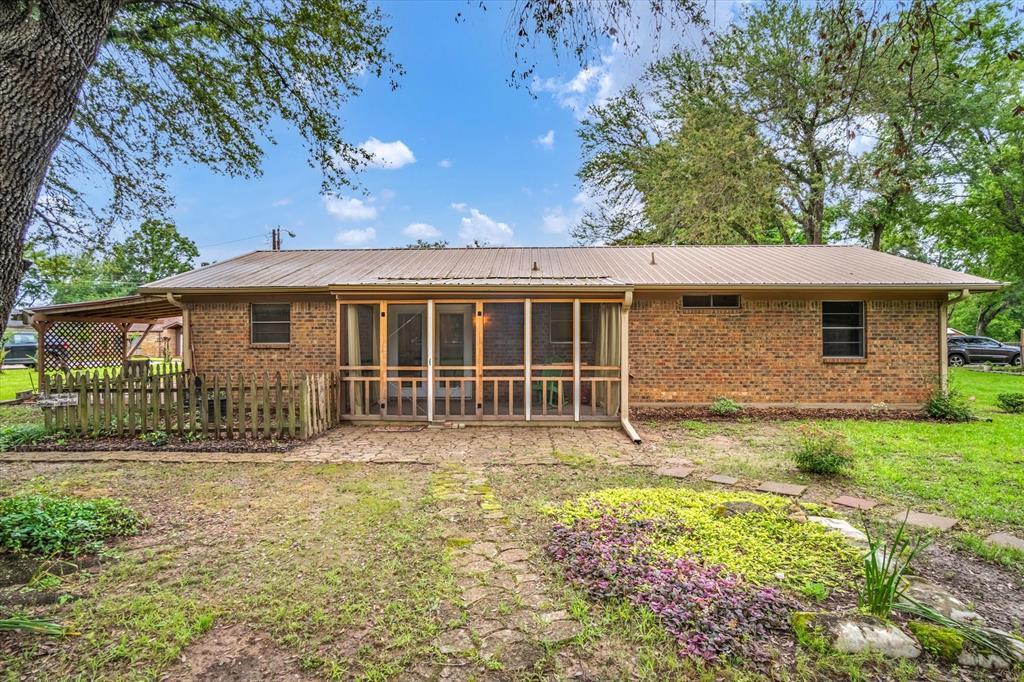 711 Water Crest  Circle, Canton, Texas 75103 - acquisto real estate best realtor dfw jody daley liberty high school realtor