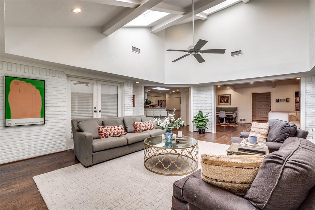 4240 Glenaire  Drive, Dallas, Texas 75229 - acquisto real estate best highland park realtor amy gasperini fast real estate service