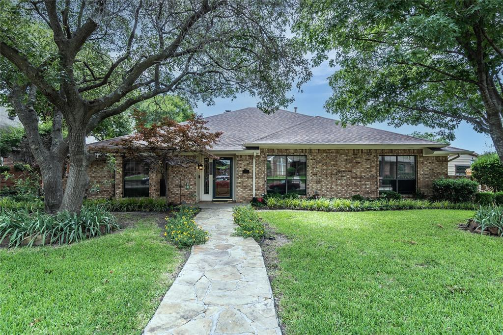 4002 Thornhill  Way, Rowlett, Texas 75088 - Acquisto Real Estate best plano realtor mike Shepherd home owners association expert