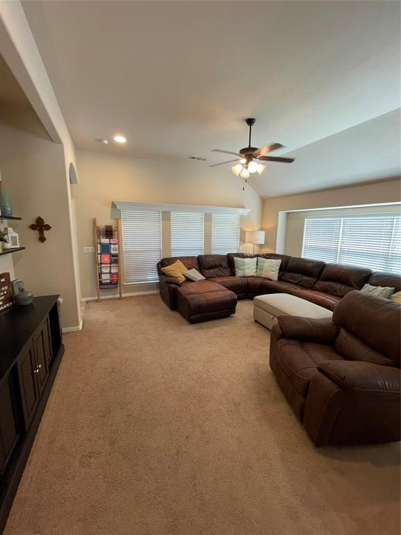 4604 Oakview  Drive, Mansfield, Texas 76063 - acquisto real estate best real estate company to work for