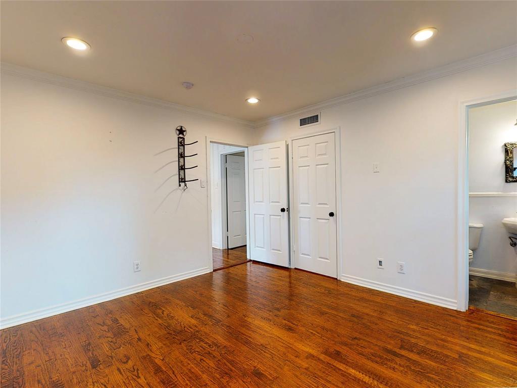 6602 Yosemite  Lane, Dallas, Texas 75214 - acquisto real estate best frisco real estate agent amy gasperini panther creek realtor
