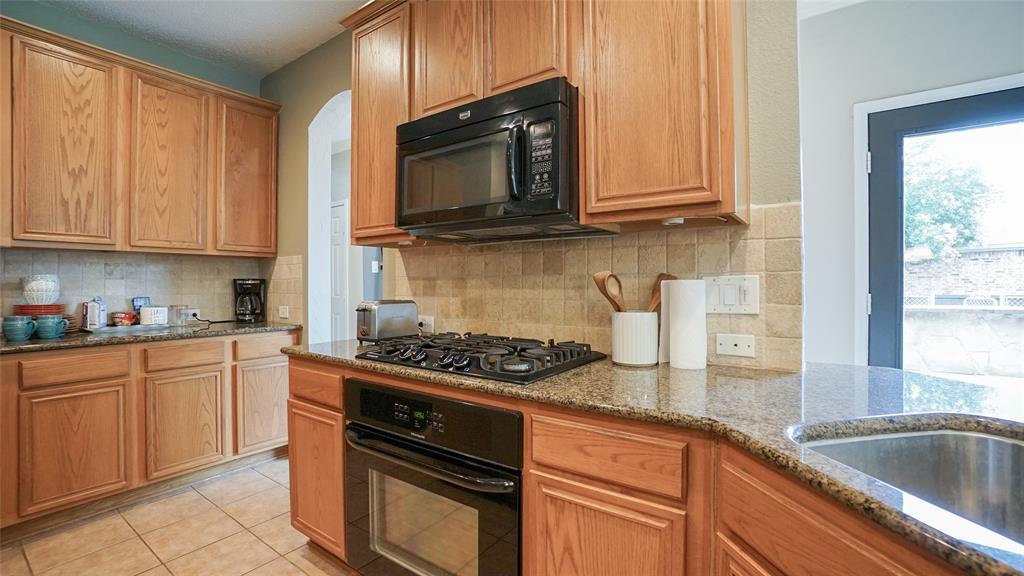 2506 Great Bear  Lane, Denton, Texas 76210 - acquisto real estate best new home sales realtor linda miller executor real estate