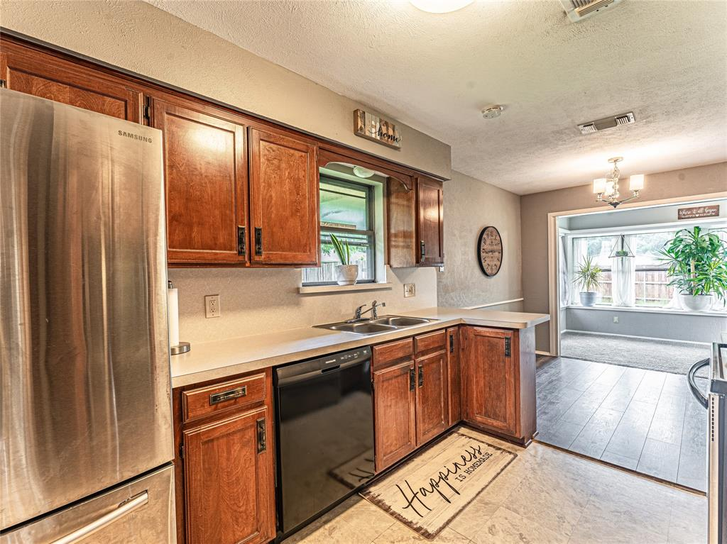 1026 Westminster  Lane, Mansfield, Texas 76063 - acquisto real estate best photos for luxury listings amy gasperini quick sale real estate
