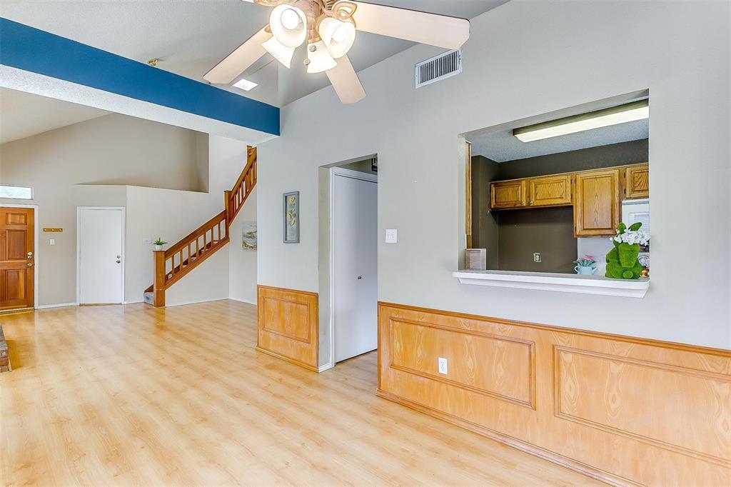 6028 Hillglen  Drive, Watauga, Texas 76148 - acquisto real estate best new home sales realtor linda miller executor real estate