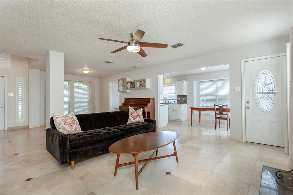 5118 Glen Vista  Drive, Garland, Texas 75044 - acquisto real estate best allen realtor kim miller hunters creek expert