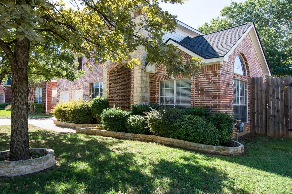 2308 Balleybrooke  Drive, Lewisville, Texas 75077 - Acquisto Real Estate best mckinney realtor hannah ewing stonebridge ranch expert