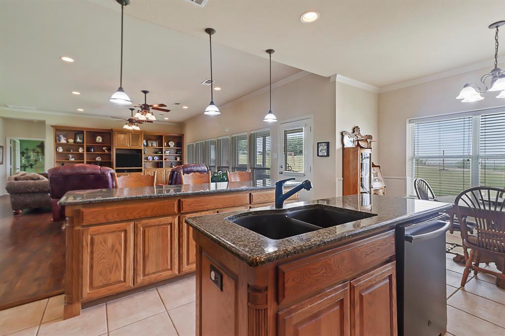 4760 Bonnie Brae  Street, Denton, Texas 76207 - acquisto real estate best luxury buyers agent in texas shana acquisto inheritance realtor