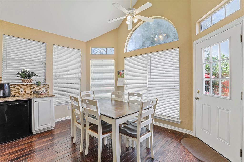 4204 Debbie  Drive, Grand Prairie, Texas 75052 - acquisto real estate best style realtor kim miller best real estate reviews dfw