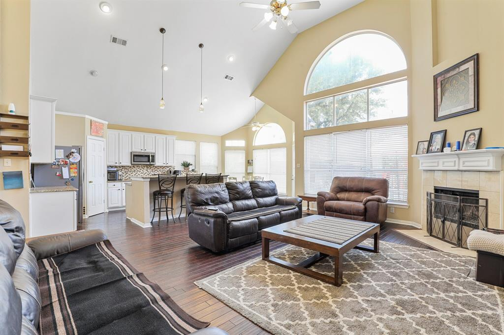 4204 Debbie  Drive, Grand Prairie, Texas 75052 - acquisto real estate best real estate company in frisco texas real estate showings