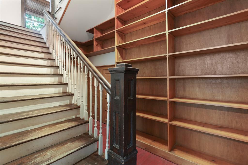 803 Nash  Street, Terrell, Texas 75160 - acquisto real estate best realtor foreclosure real estate mike shepeherd walnut grove realtor