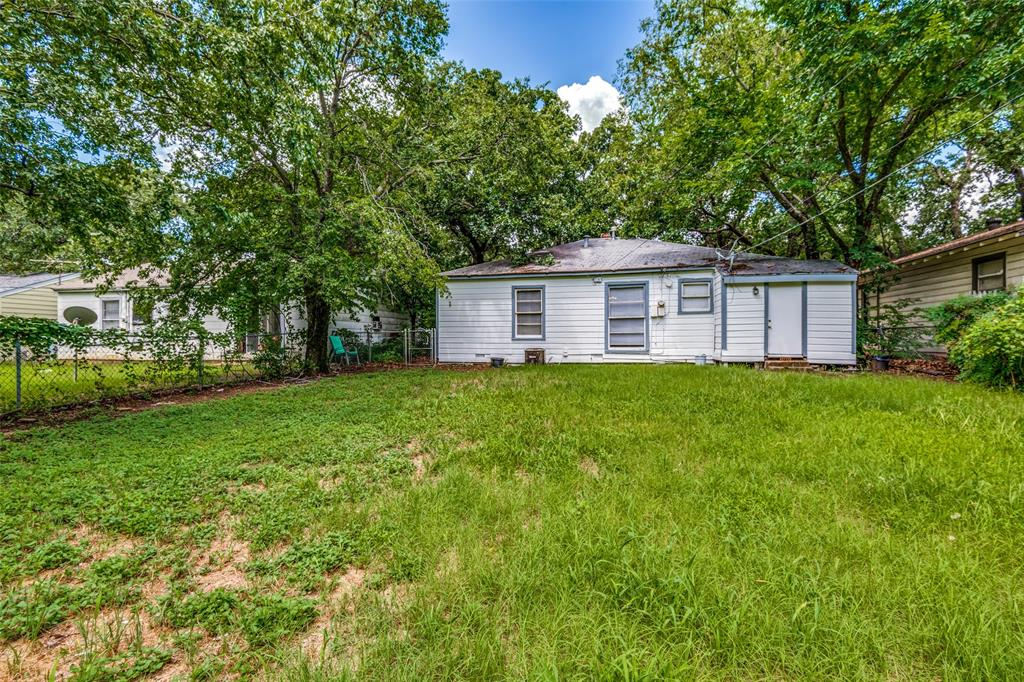 1405 West  Street, Arlington, Texas 76010 - acquisto real estate best frisco real estate agent amy gasperini panther creek realtor
