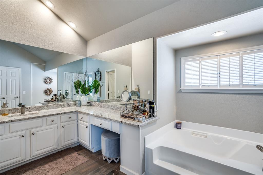 17107 Planters  Row, Addison, Texas 75001 - acquisto real estate best frisco real estate broker in texas for high net worth buyers