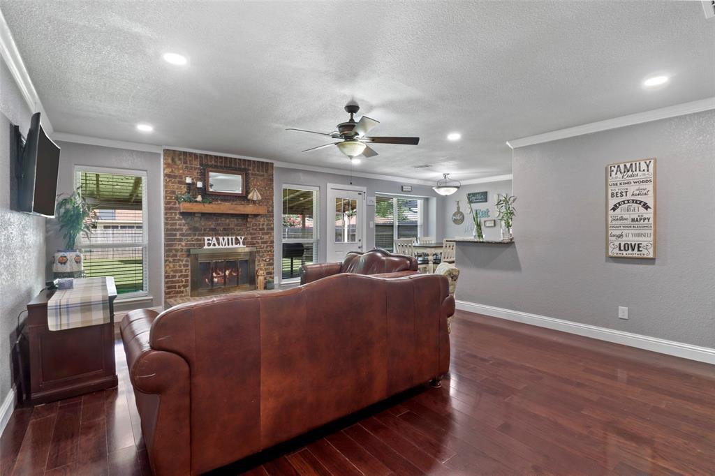 5303 Smoke Tree  Drive, Arlington, Texas 76018 - acquisto real estate best prosper realtor susan cancemi windfarms realtor