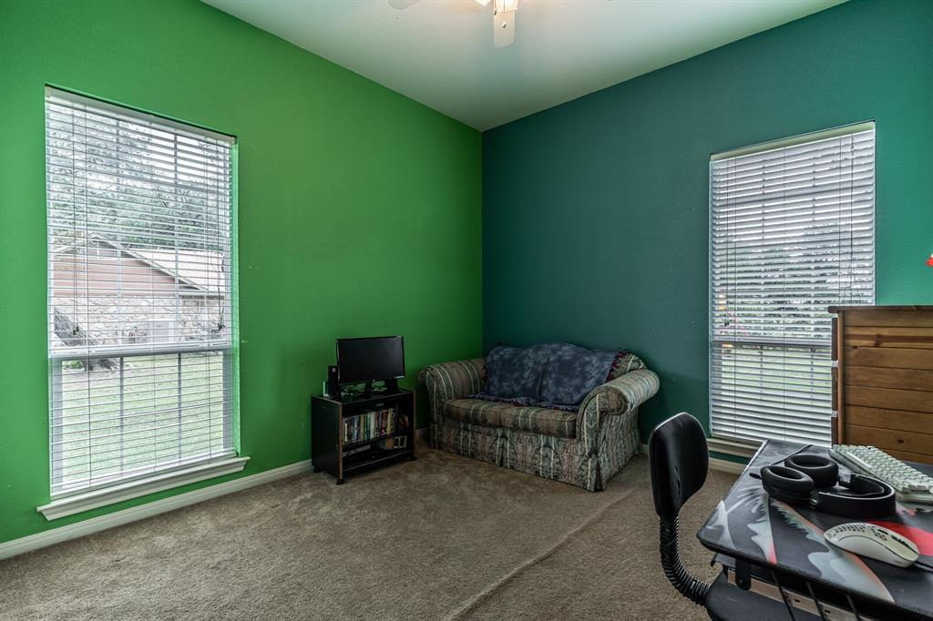 211 Bolton  Circle, West, Texas 76691 - acquisto real estate agent of the year mike shepherd