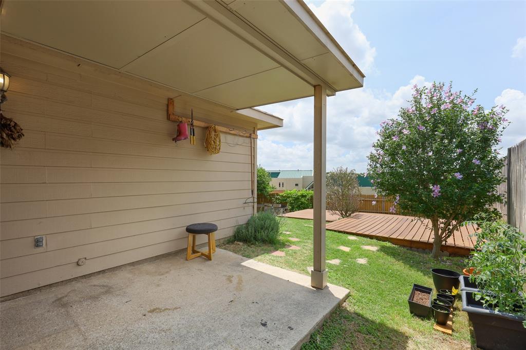 5601 Seafield  Lane, Fort Worth, Texas 76135 - acquisto real estate best realtor dfw jody daley liberty high school realtor