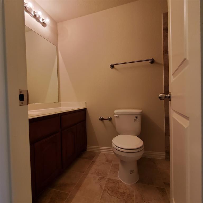 924 Grace  Lane, Lewisville, Texas 75056 - acquisto real estate best park cities realtor kim miller best staging agent