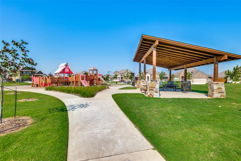 2805 Half Moon  Road, Aubrey, Texas 76227 - acquisto real estate best plano real estate agent mike shepherd