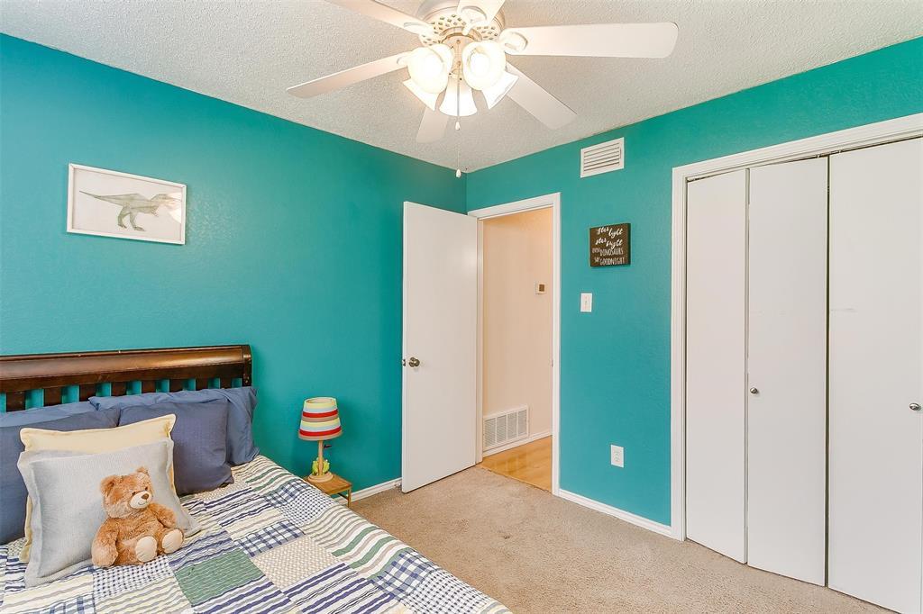 6028 Hillglen  Drive, Watauga, Texas 76148 - acquisto real estate best frisco real estate agent amy gasperini panther creek realtor