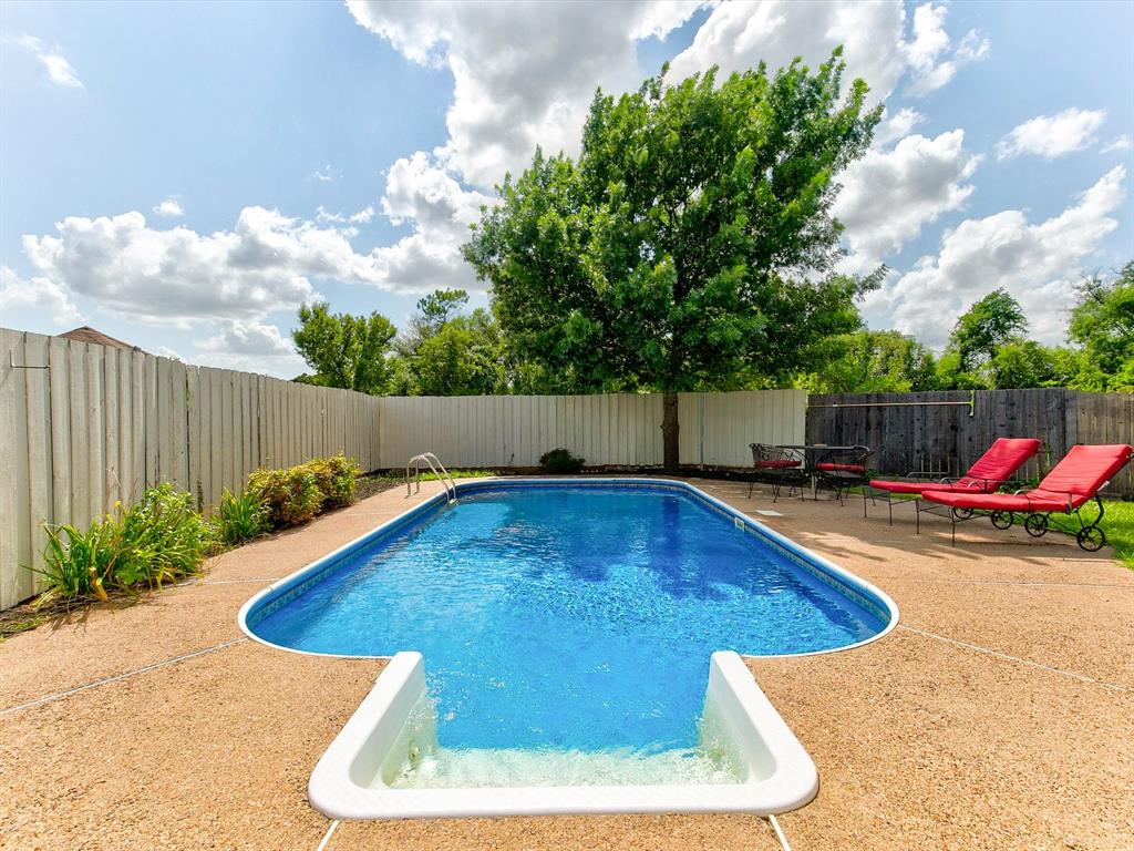 2830 Oakdale  Drive, Burleson, Texas 76028 - acquisto real estate best real estate idx dilusso marketing mike acquisto