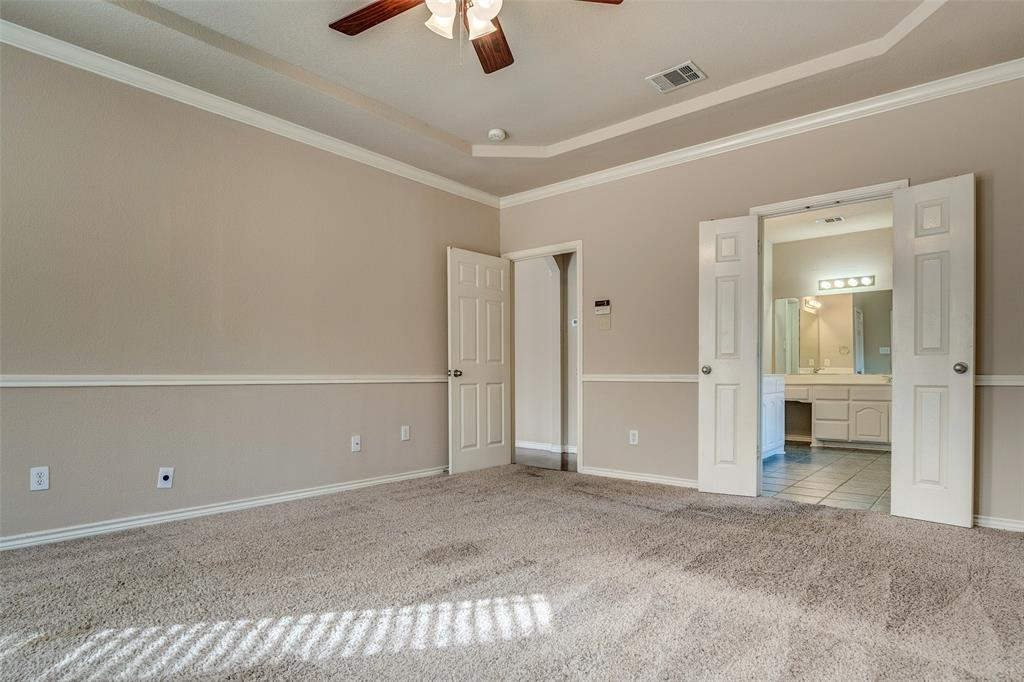 420 Misty  Lane, Lewisville, Texas 75067 - acquisto real estate best realtor foreclosure real estate mike shepeherd walnut grove realtor