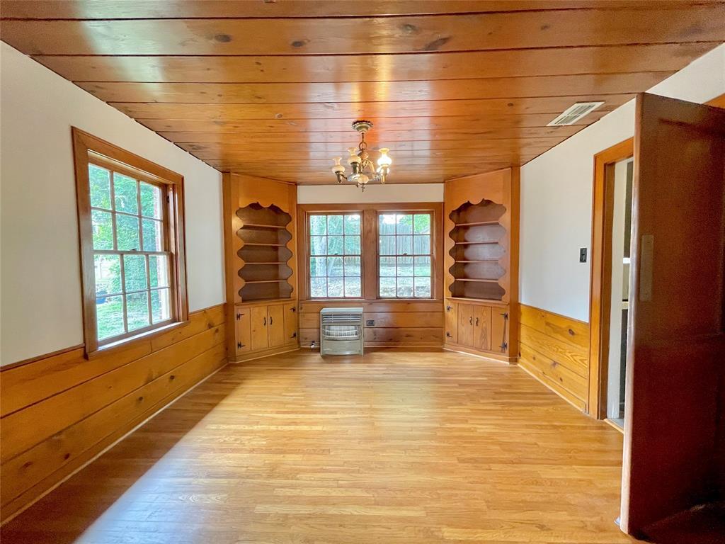 104 Red Oak  Henderson, Texas 75654 - acquisto real estate best celina realtor logan lawrence best dressed realtor