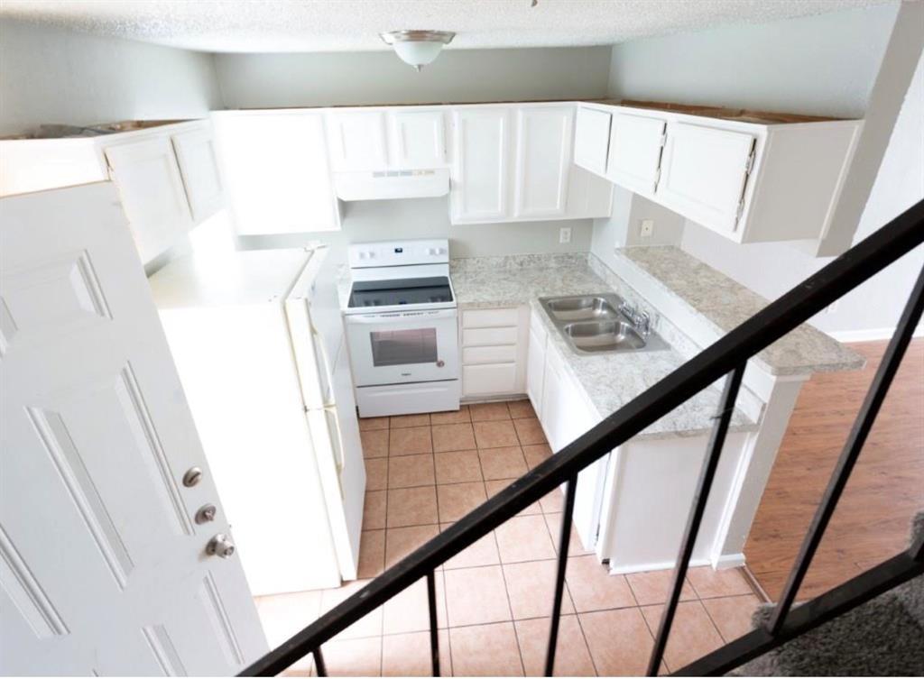 10500 Lake June  Road, Dallas, Texas 75217 - acquisto real estate best highland park realtor amy gasperini fast real estate service