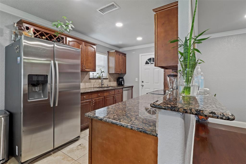 5303 Smoke Tree  Drive, Arlington, Texas 76018 - acquisto real estate best style realtor kim miller best real estate reviews dfw