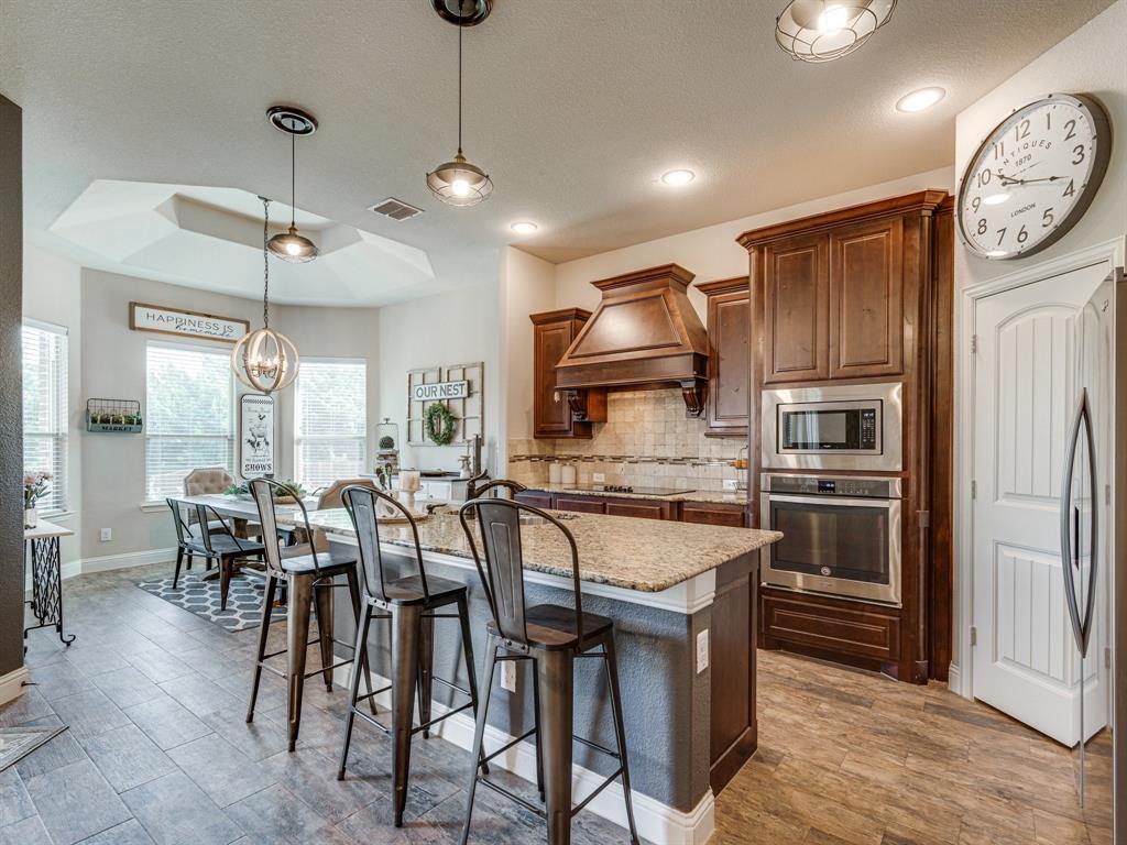 409 Hillstone  Drive, Midlothian, Texas 76065 - acquisto real estate best celina realtor logan lawrence best dressed realtor