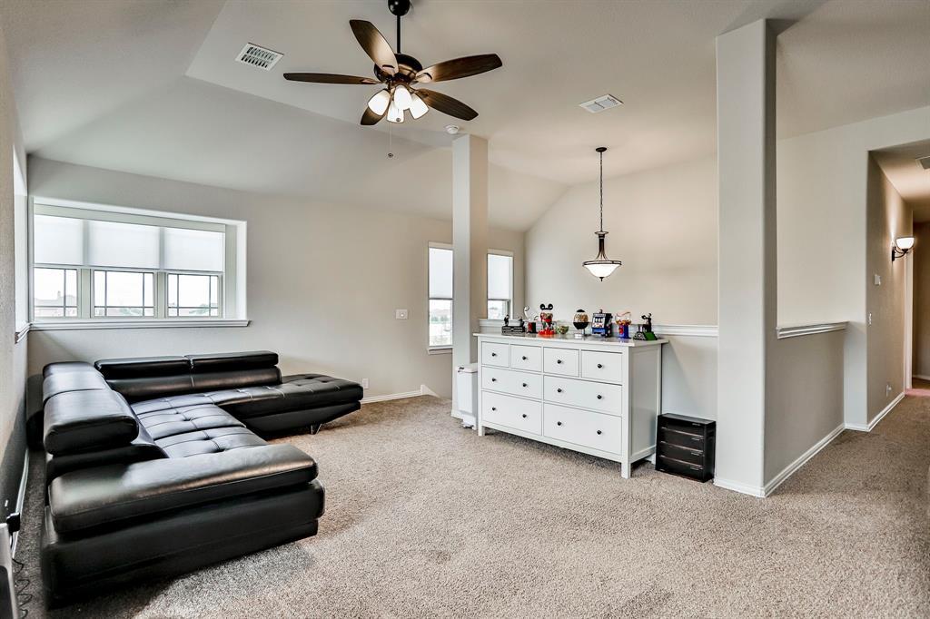 537 Tierra Vista  Way, Fort Worth, Texas 76131 - acquisto real estate best realtor foreclosure real estate mike shepeherd walnut grove realtor