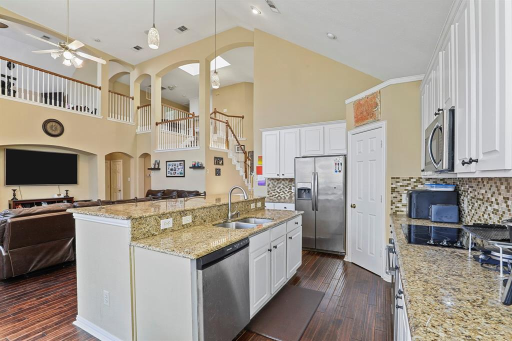 4204 Debbie  Drive, Grand Prairie, Texas 75052 - acquisto real estate best listing listing agent in texas shana acquisto rich person realtor