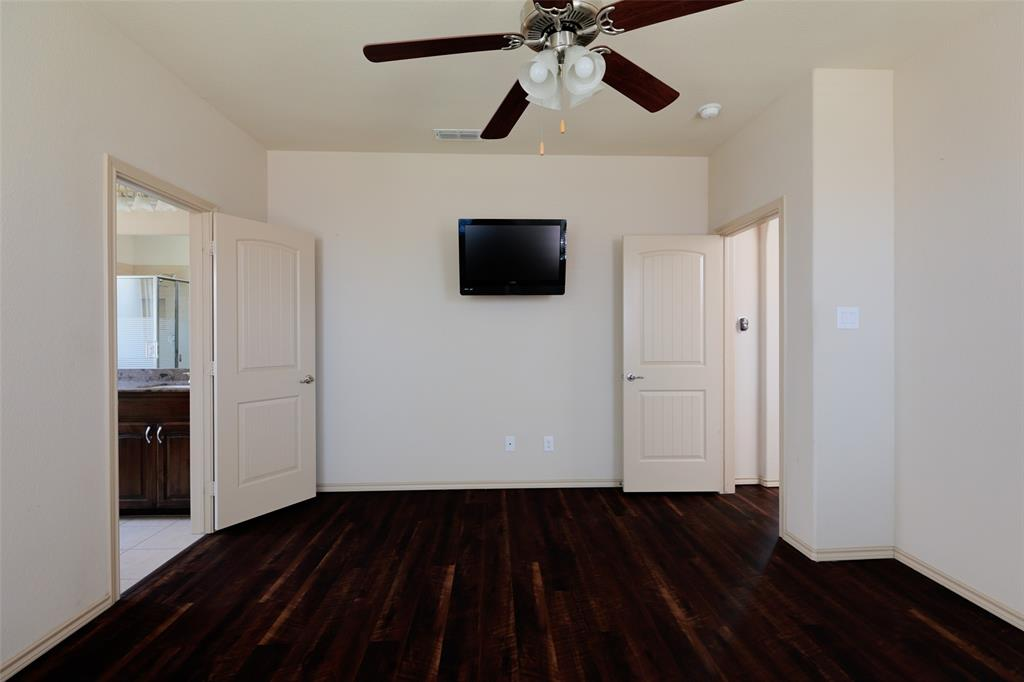 1805 Velarde  Road, Fort Worth, Texas 76131 - acquisto real estate best realtor foreclosure real estate mike shepeherd walnut grove realtor
