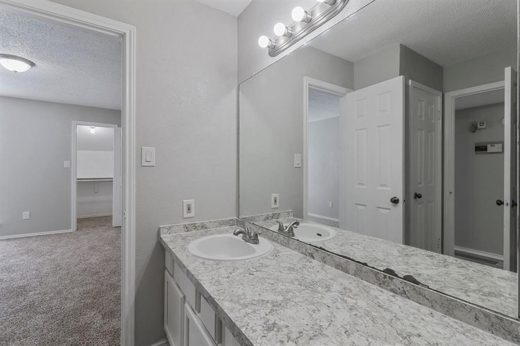 9601 Forest  Lane, Dallas, Texas 75243 - acquisto real estate best style realtor kim miller best real estate reviews dfw