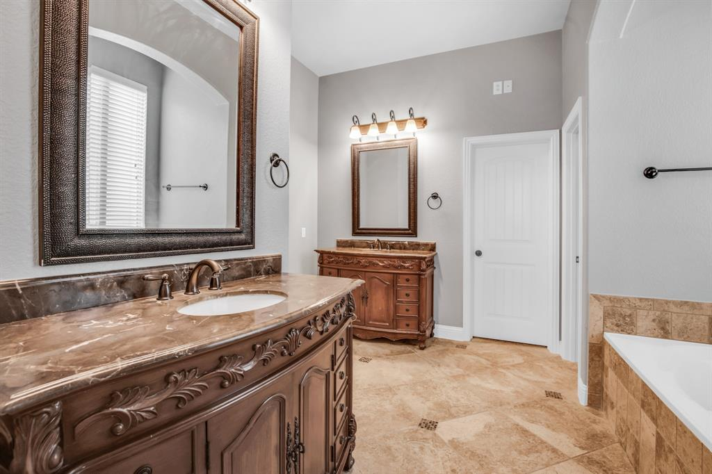 5609 Green Moss  Hill, McKinney, Texas 75071 - acquisto real estaet best boutique real estate firm in texas for high net worth sellers