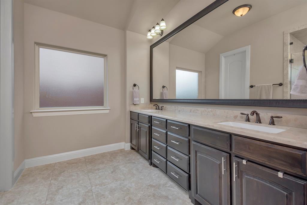 417 Chestnut  Lane, Roanoke, Texas 76262 - acquisto real estate best park cities realtor kim miller best staging agent