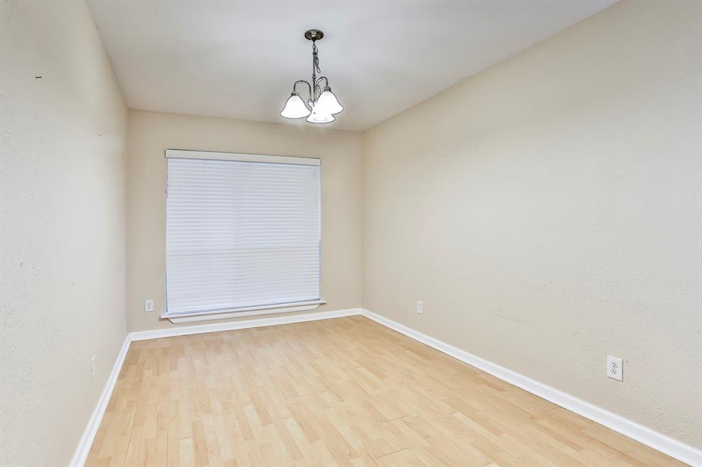 2800 Treeview  Drive, Arlington, Texas 76016 - acquisto real estate best real estate company to work for