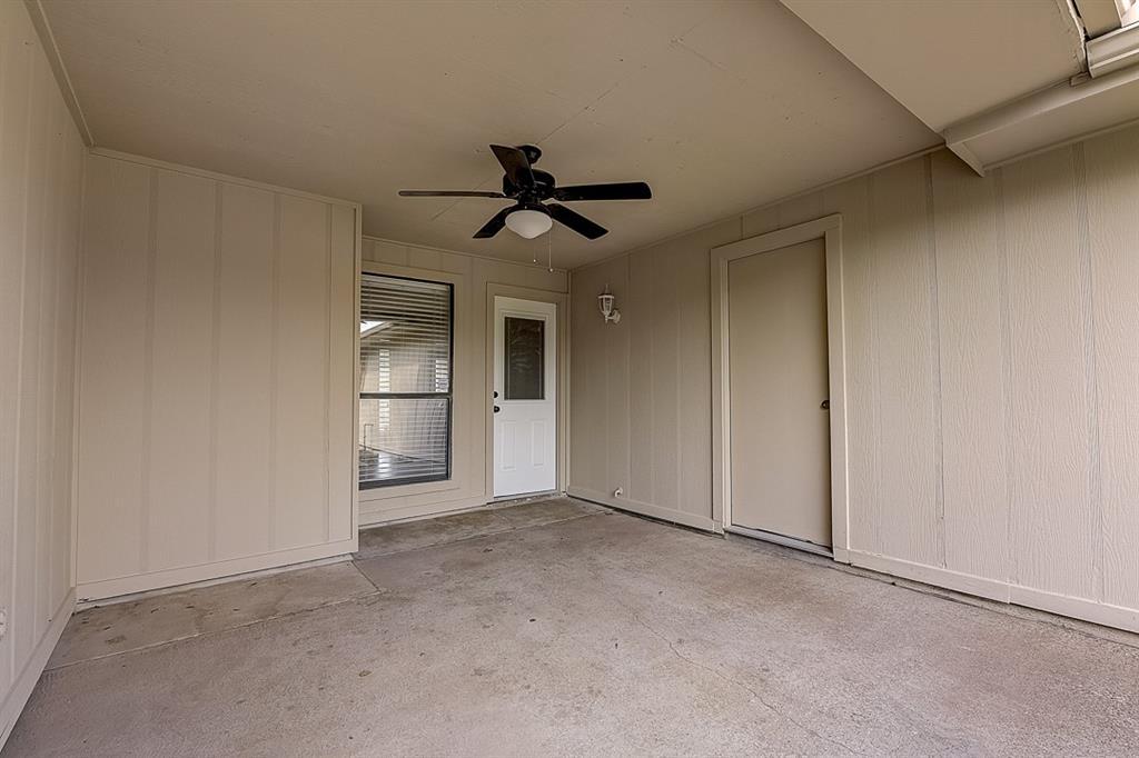 405 Kingsbridge  Court, Garland, Texas 75040 - acquisto real estate best park cities realtor kim miller best staging agent