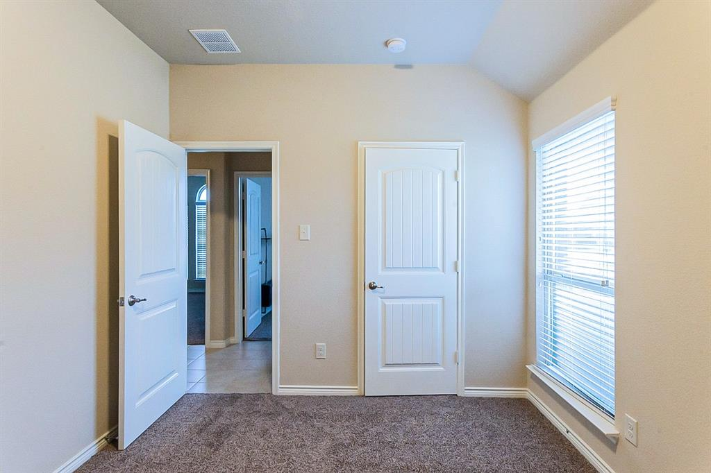 5025 Hidden Creek  Road, Garland, Texas 75043 - acquisto real estate best realtor westlake susan cancemi kind realtor of the year
