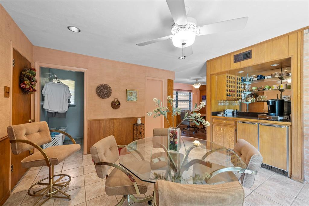 3232 Catamore  Lane, Dallas, Texas 75229 - acquisto real estate best negotiating realtor linda miller declutter realtor