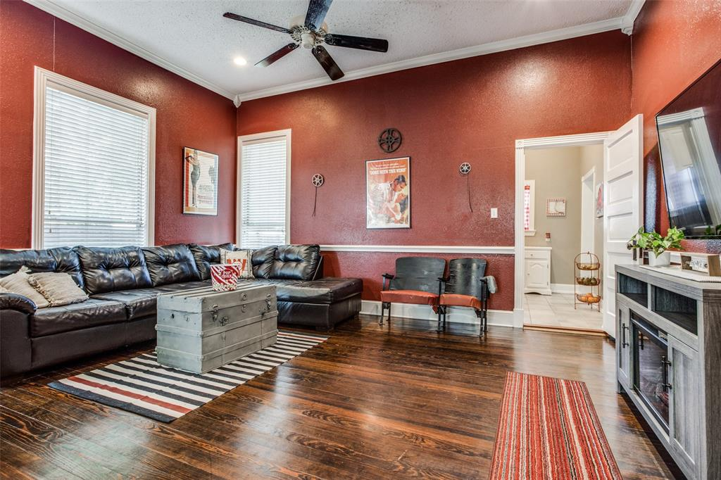 3911 Stonewall  Street, Greenville, Texas 75401 - acquisto real estate best real estate company to work for