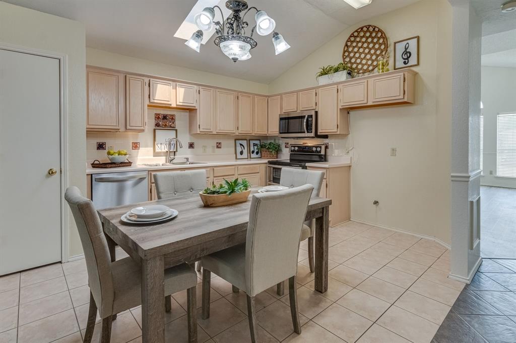 415 Sea Rim  Drive, Arlington, Texas 76018 - acquisto real estate best real estate company in frisco texas real estate showings