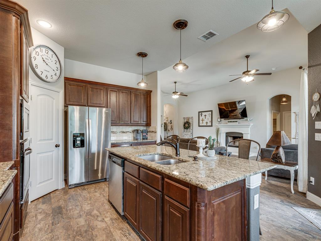 409 Hillstone  Drive, Midlothian, Texas 76065 - acquisto real estate best real estate company in frisco texas real estate showings