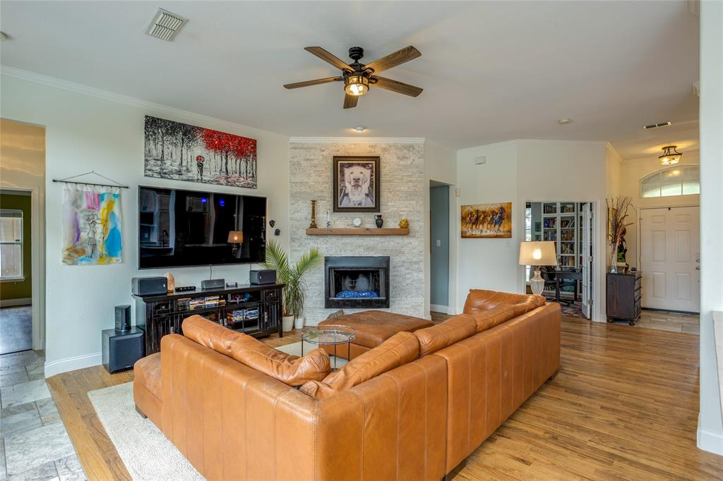 901 Hemingway  Court, Allen, Texas 75002 - acquisto real estate best photos for luxury listings amy gasperini quick sale real estate