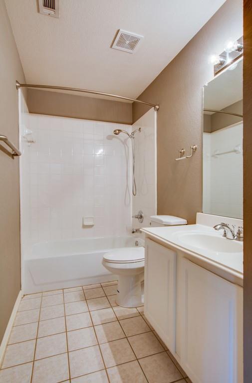 2308 Balleybrooke  Drive, Lewisville, Texas 75077 - acquisto real estate best realtor foreclosure real estate mike shepeherd walnut grove realtor
