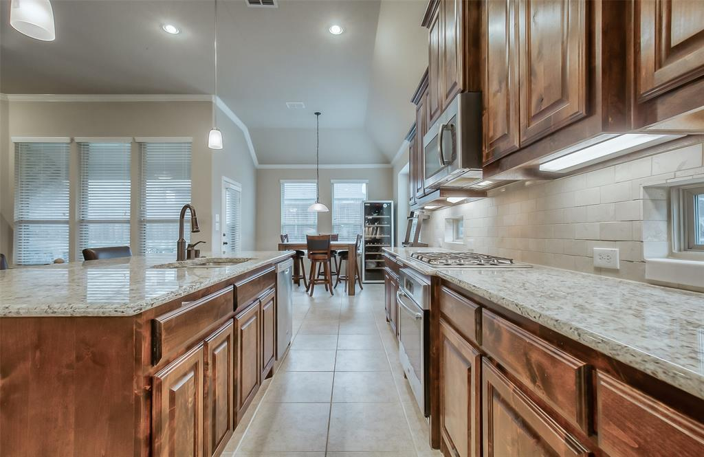 9822 Amberwoods  Lane, Frisco, Texas 75035 - acquisto real estate best plano real estate agent mike shepherd