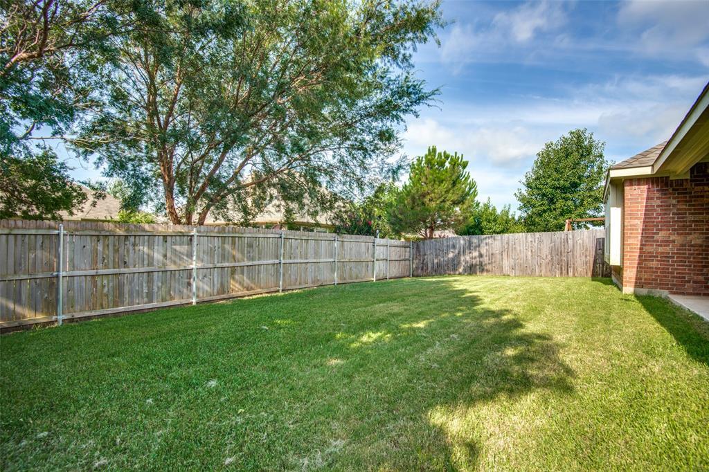 5913 Meadowglen  Drive, Denton, Texas 76226 - acquisto real estate best frisco real estate agent amy gasperini panther creek realtor