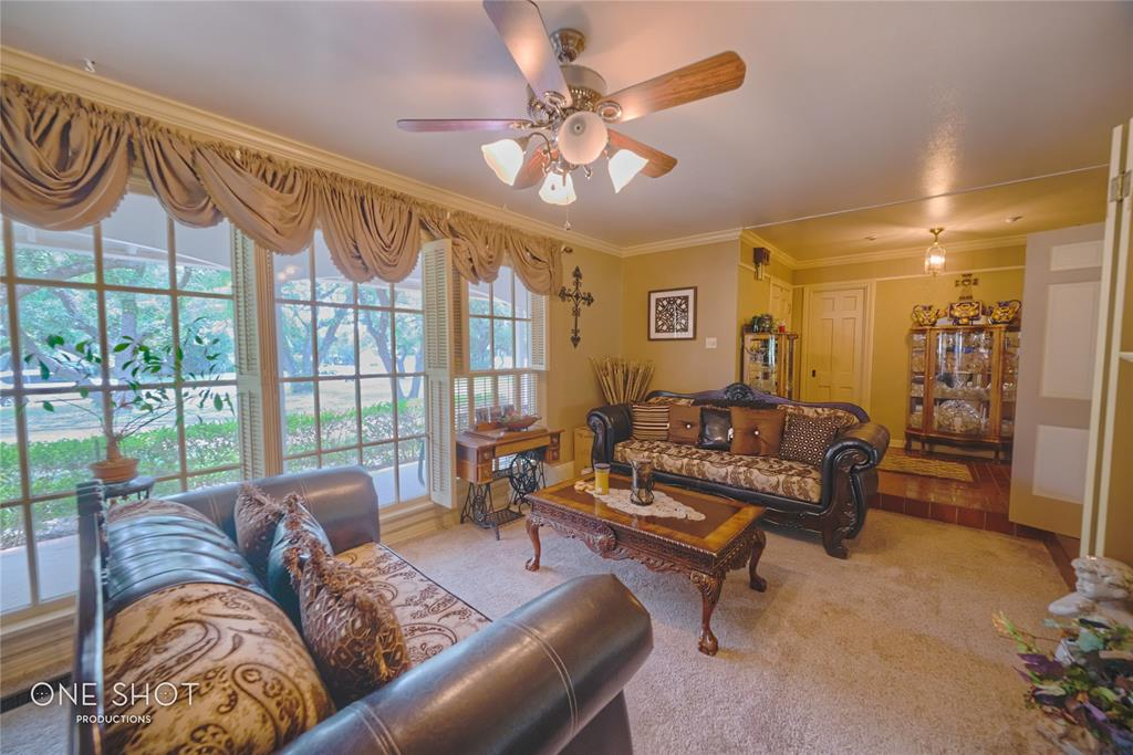 307 Hillcrest  Avenue, Eastland, Texas 76448 - acquisto real estate best the colony realtor linda miller the bridges real estate