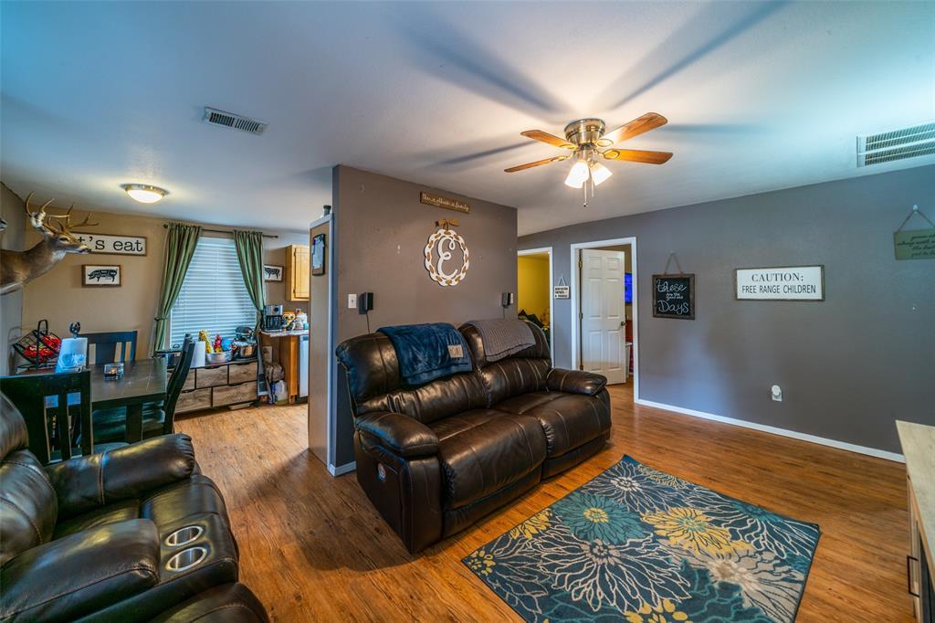 221 Sunrise  Court, Palmer, Texas 75152 - acquisto real estate best negotiating realtor linda miller declutter realtor