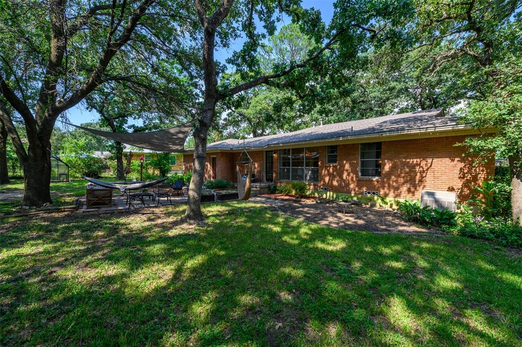 2503 Glenwood  Lane, Denton, Texas 76209 - acquisto real estate best frisco real estate agent amy gasperini panther creek realtor