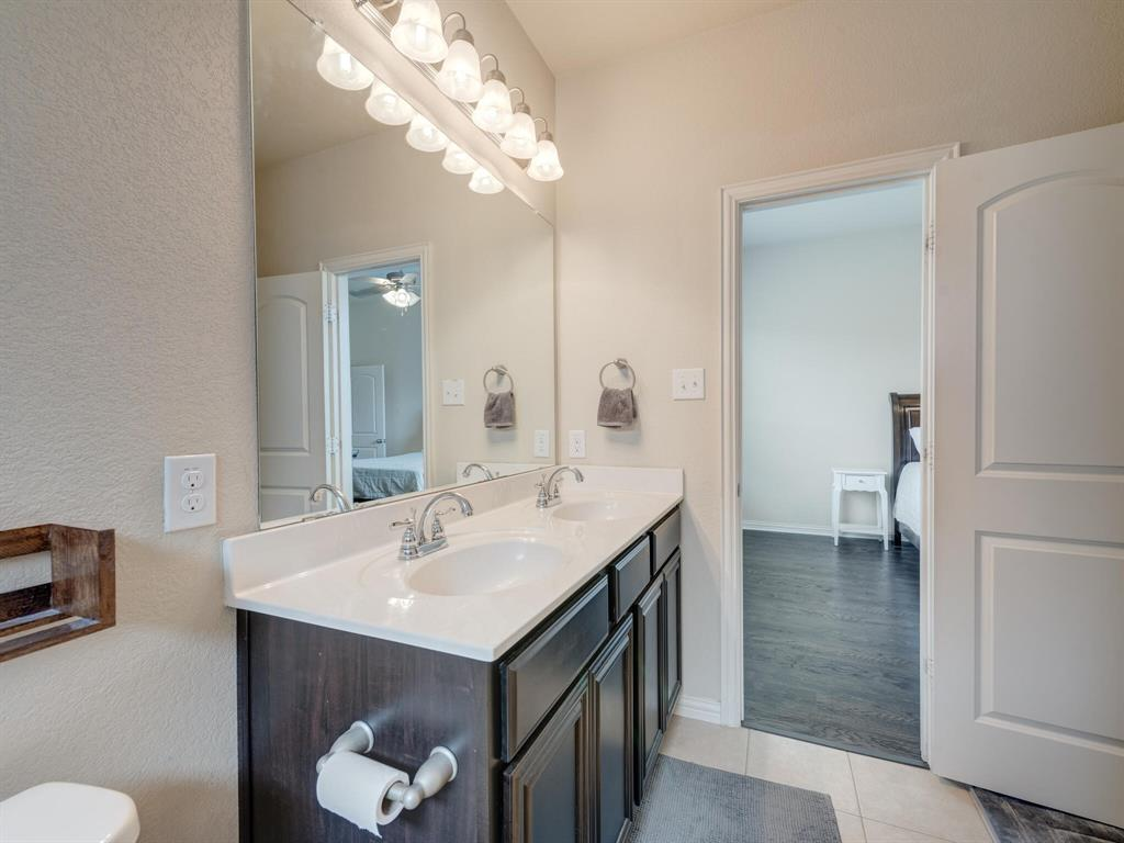 929 Viburnum  Drive, Fort Worth, Texas 76131 - acquisto real estate best photos for luxury listings amy gasperini quick sale real estate